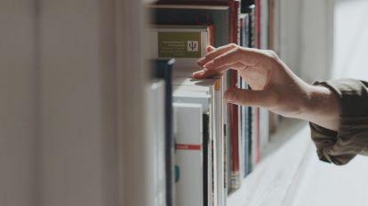 books-hand
